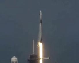 SpaceX载人航天飞船成功发射 马斯克圆太空梦
