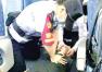 高铁上乘客突发昏厥 7人接力为他心肺复苏