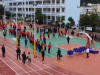 云南边境中学获捐新运动场 学生体验独特篮球课堂